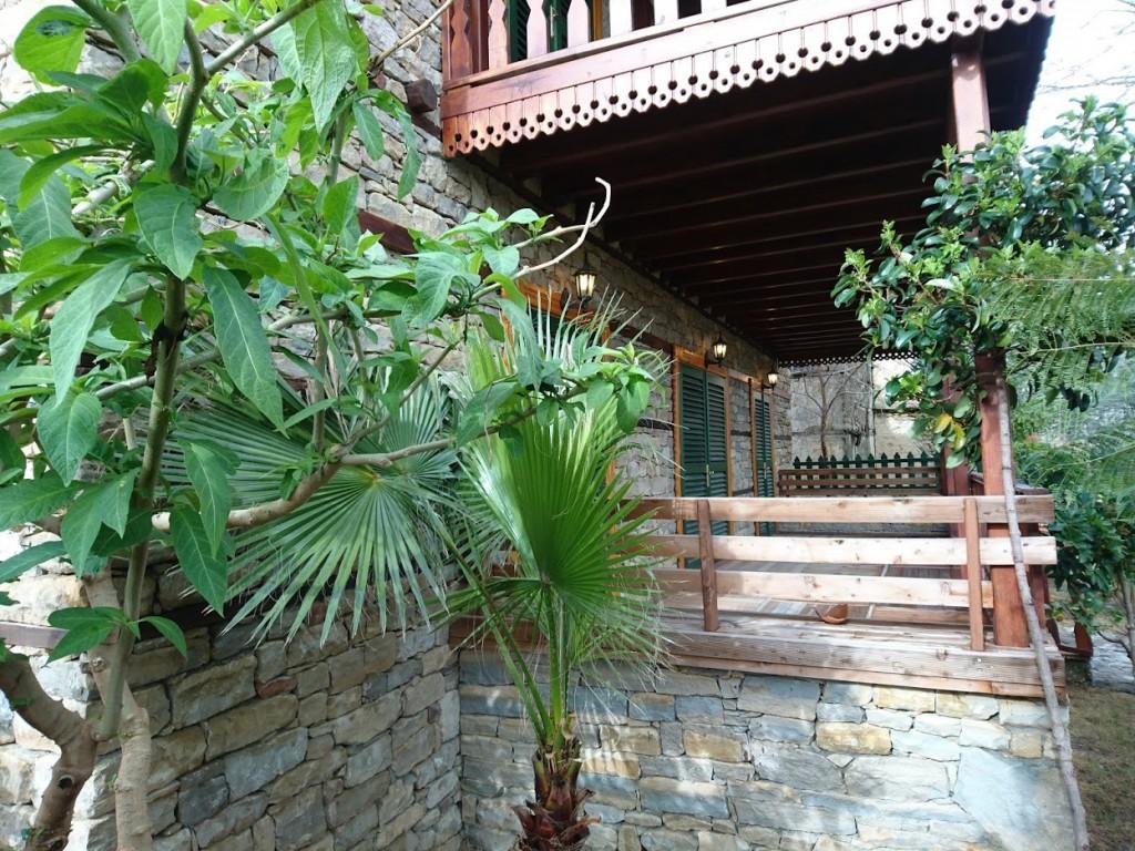 İki katlı doğal taş ev (12)