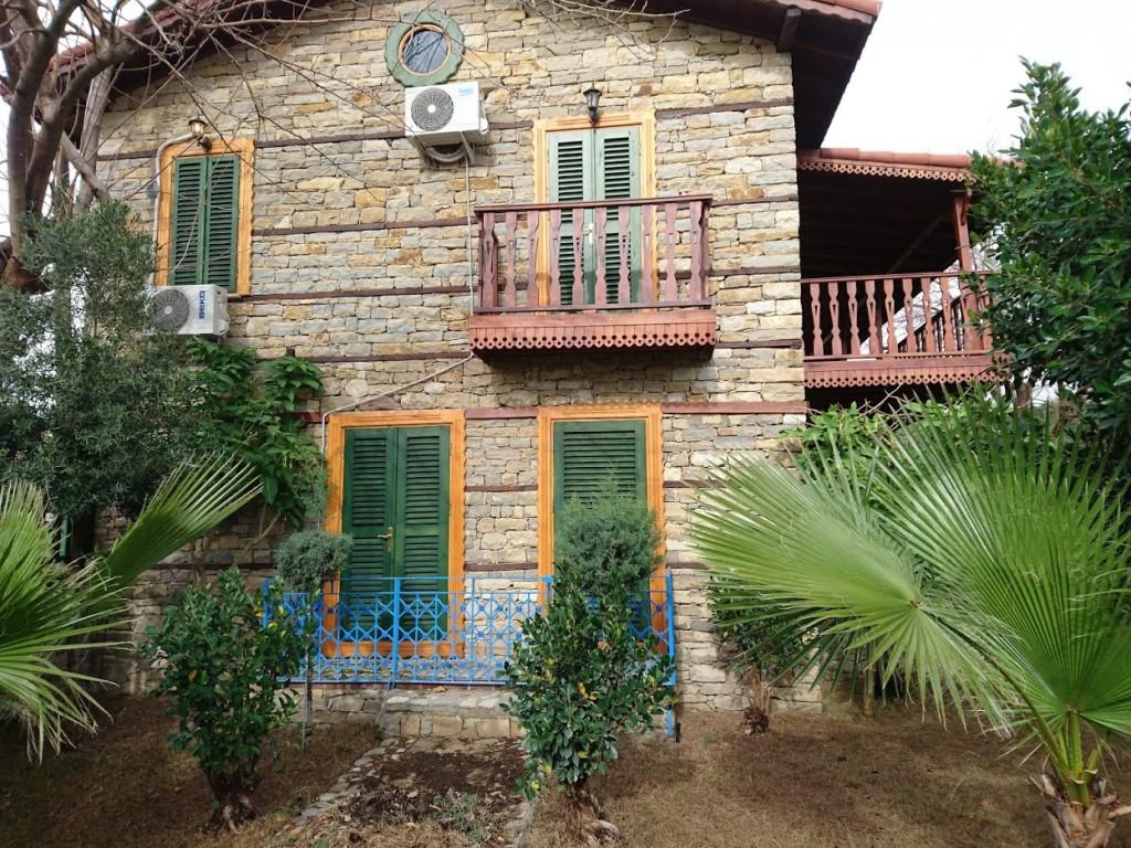İki katlı doğal taş ev (13)