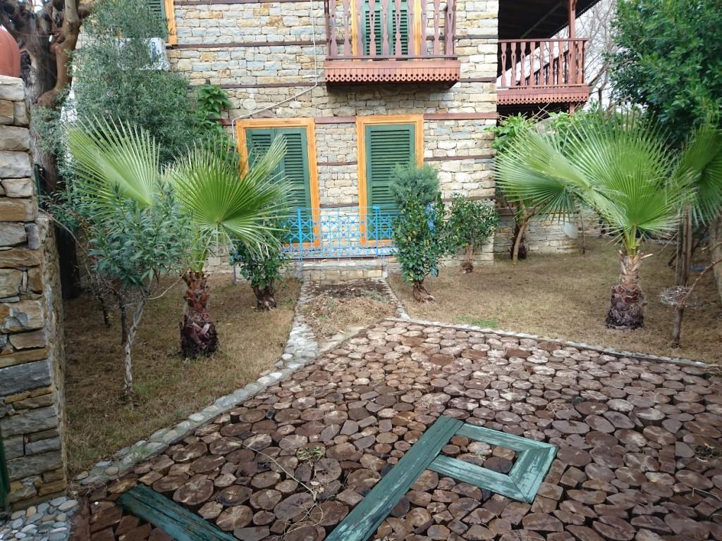 İki katlı doğal taş ev (14)