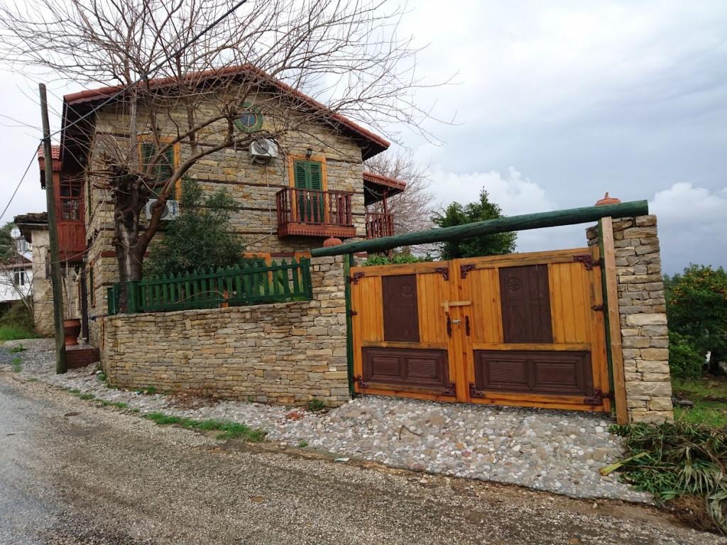 İki katlı doğal taş ev (6)