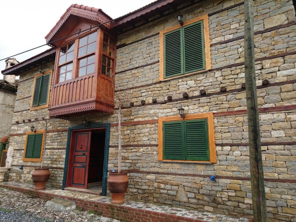 İki katlı doğal taş ev (8)