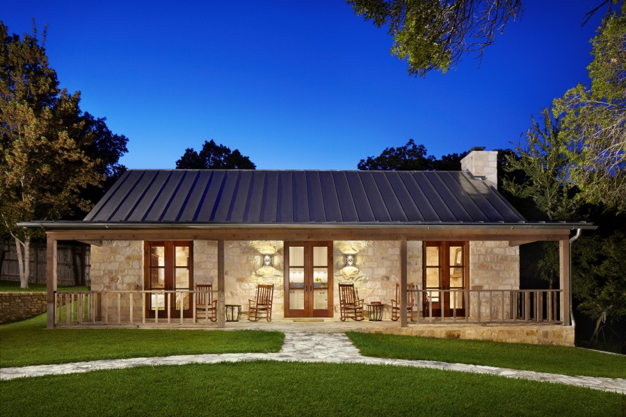 Tek katl ta ev bah eli do al ta lar do al ta evler for Texas hill country house plans porches